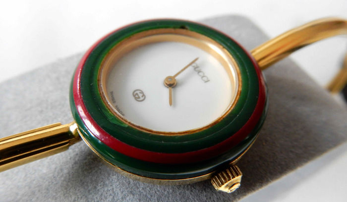 f38699f4ad6 Gucci 1100-L AUTHENTIC 1980s lady s 11 12 iconic bangle watch with  interchangeable bezel in original box