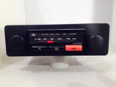 Classic Ford Electronic classic car radios from 1980s