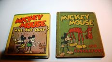 Disney, Walt - 2x Wee Big Little Book - Mickey Mouse Will not quit + Mickey Mouse And Tanglefoot - sc - 1st edition (1934)