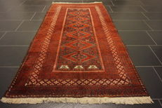 Antique hand-knotted Belutsch , wool on wool, 107 x 197 cm, made in Iran