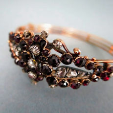 Biedermeier bracelet with 17 diamonds approx. 1.25 ct and Bohemian garnets made of 585 / 14 kt rose gold 14, antique circa 1830