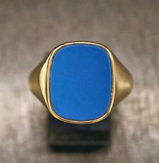 14 kt gold signed ring with blue agate, ring size 20 ***No reserve***