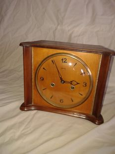 English tabletop clock – SMITHS – Circa 1940