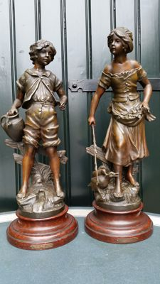 Two bronzed zamak sculptures - signed Moreau - France - circa 1900-20