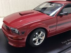 AUTOart - Scale 1/18 - Ford Mustang GT Coupe California Special 2007