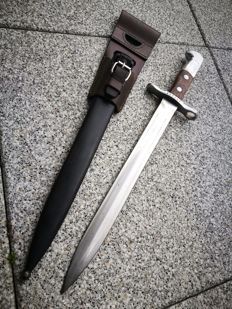 Swiss bayonet M1918 for Schmidt Rubin - Elsener Schwyz with sheath and leather frog.