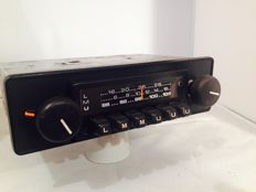 Classic radio from the 1980s for classic cars of brands like Ford, Mercedes, Porsche, Fiat, Opel and others