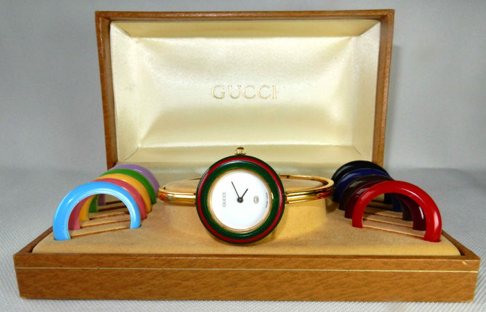 3b23d8f7510f Gucci 1100-L AUTHENTIC 1980s lady s 11 12 iconic bangle watch with  interchangeable bezel in original box
