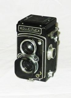 A Rolleiflex 6X6 with lens Zeiss Jena Tessar 3.5 / 75mm