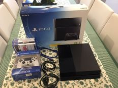 Playstation 4 incl. 5 games
