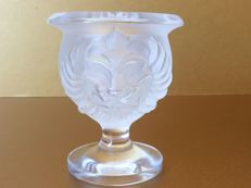 Lalique (France) - Lion's head vase/candle holder