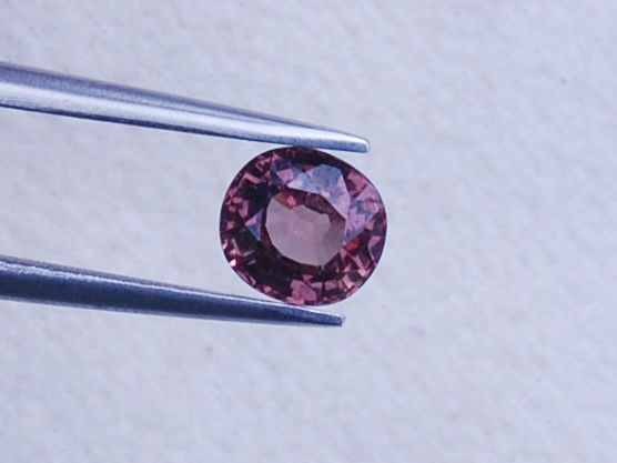 Colour change garnet - 1.15 ct