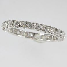 Alliance or eternity band with 25 brilliant cut diamonds - anno 1970