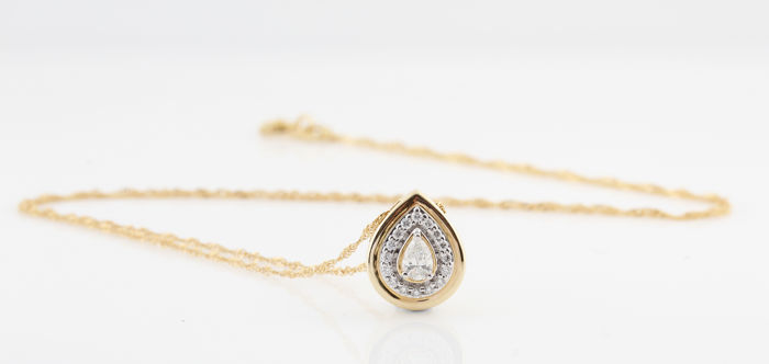 "14 kt yellow gold diamond necklace, 0.27 ct / 2.20 grams / G-H VS2-SI1 / 12 x 10 x 5 mm / 44.00 cm / ""NEW"""