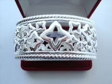 Vintage 1970s - Silver tone rhodium plated lace cut out Massive Bangle Bracelet