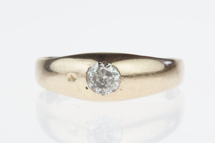 14 kt gold (pinky) ring set with old cut diamond of approx. 0.33 ct