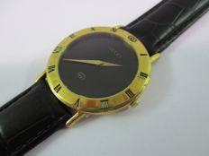 Gucci Quartz model 3000.2.M –  Men's Gold plated Black Dial Wristwatch –  circa 1980s
