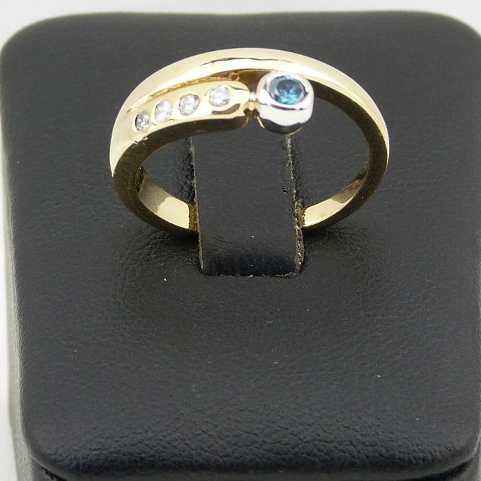 18 kt yellow gold ring - diamond and topaz 0.15 ct - size 56.