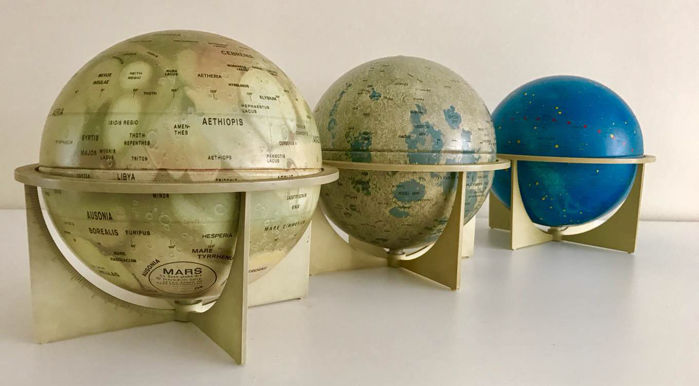 Globes of Mars, the moon and the stars. Rare - approx. 1968