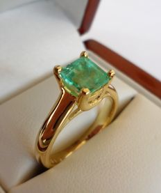 1.34 ct IGI Certified Natural Green Emerald Ring in  14K Solid Yellow Gold  -  Ring Size: 17.5/55/7.5 (US)