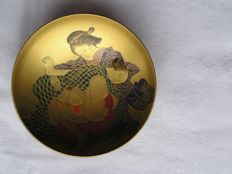 "Lacquer sake cup with ""shunga"" (erotic painting) - Japan - First half 20th century"
