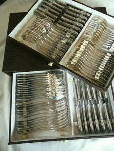 84 part cutlery in Louis XIV style - cutlery for 12 people - Germany - ca. 1955 - in drawer cassette