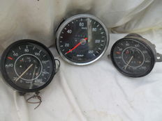 Volkswagen Beetle and Daf truck odometers