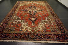 Rare, antique Persian carpet, Heriz, natural dyes, made in Iran, 240 x 345 cm