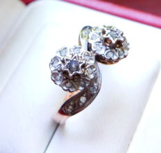 18 kt rose/platinum gold Toi et Moi ring set with 24 untreated rose diamonds of approx. 0.30 ct - France 2nd half 19th century - No reserve price -
