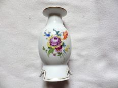 Meissen - Candle holder in porcelain with floral decoration
