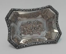 Silver chocolate basket with floral engravings, 1st half 20th century