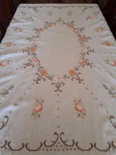Delicate hand embroidered tablecloth with roses in cross stitch - Italy - 1970s.