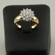 Gold ring set with 19 diamonds for a total of 1.20 ct approx.