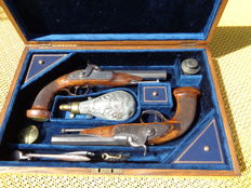 "Pair of French Officer percussion Pistols,"" Heavy Dragoon"" 1841 Pattern, in case ."