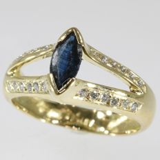 18krt Yellow gold ring with 24 brilliant cut diamonds and one natural marquise shaped sapphire - anno 1980, Ring size: EU-54 & 17¼