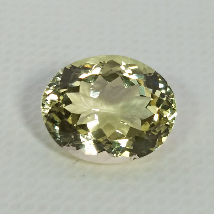 Heliodor (yellow Beryl) - 3.91 ct