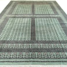 Bukhara - 300 x 280 cm - eye-catcher - oversized Persian carpet in very beautiful condition - with certificate