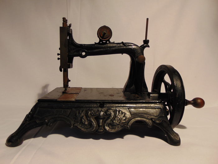 Old sewing machine p & DC to A.Grimme Natalis, Germany