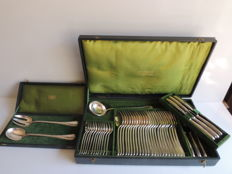 "Christofle - complete 51 piece silverware set ""crossed ribbons"" pattern - silver plated metal - Louis XVI style - early 20th century"