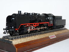 Märklin H0 - 3319 - Steam locomotive with towed tender BR 50 of the ÖBB
