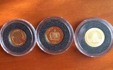 World – Set of three coins (Aruba, China, Samoa) 2005/2006 – Gold