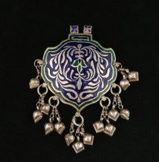 Antique silver pendant with coloured enamel — Himachal Prasesh, early 20th century