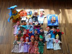 Brand unknown - 26 old hand puppets / puppet dolls