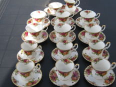 Twelve cups and saucers Royal Albert Old Country Roses