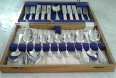 1940's Sheffield Chromium-plated Stainless Steel cutlery set in hand-made Durmast box