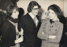 Unknown/AFP - Elsa Martinelli/Yves St. Laurent/Catherine Deneuve - 1970