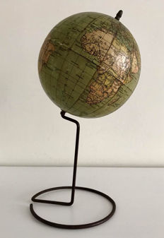 Special vintage Prof. a. Klause globe from 1925.