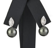 White gold earrings, set with brilliant-cut diamonds and Tahitian pearls