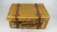 Reed picnic basket - 4 persons - 53x39x20 cm.