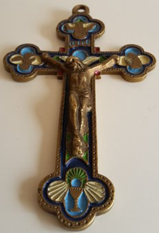 A  brass and enamelled Latin cross - XIX / XX century / no reserve price